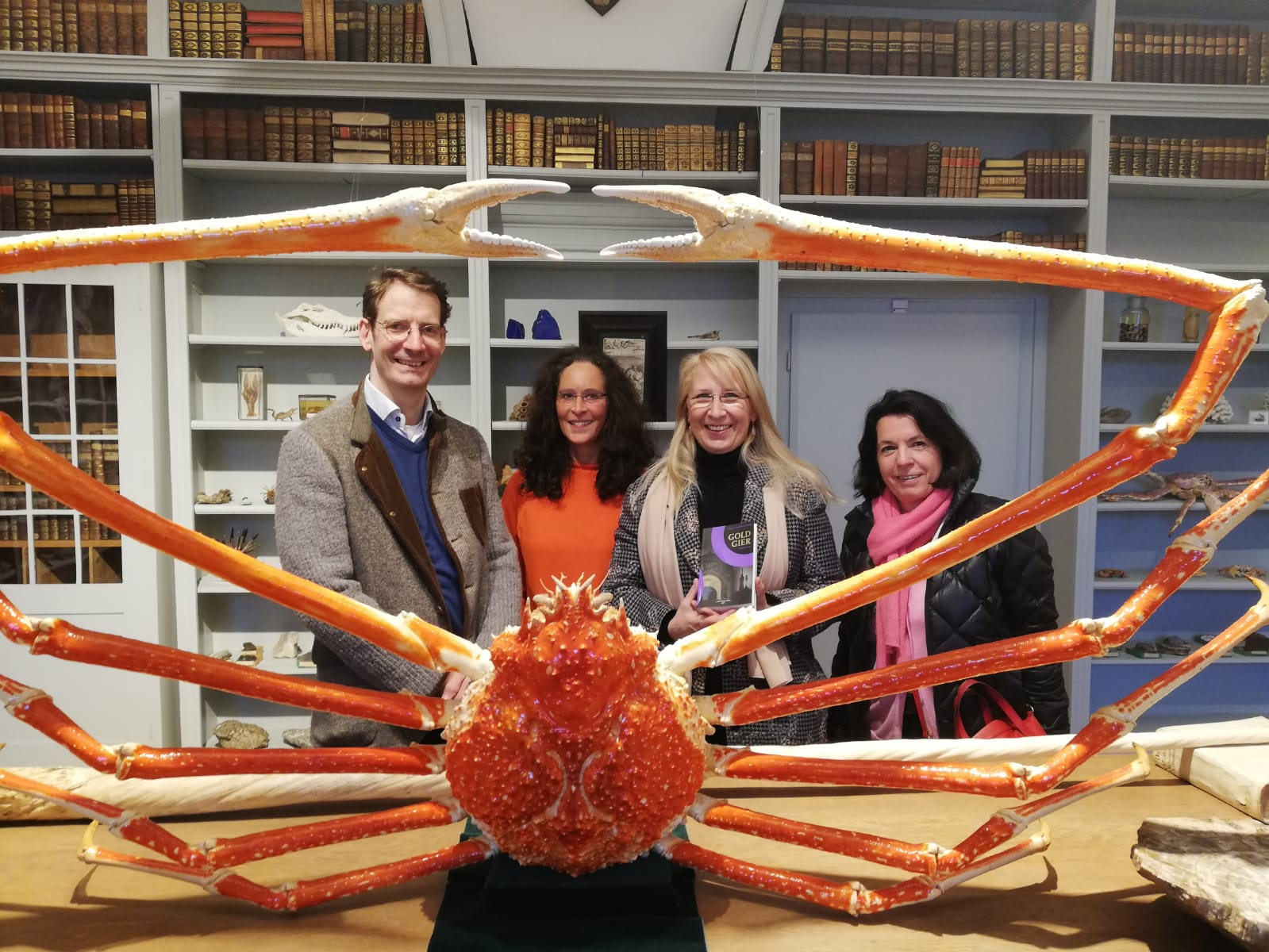 Auf dem Foto zu sehen sind: Dr. Markus Wennerhold, Tanja Höls, Dagmar Isabell Schmidbauer, Rita Loher-Bronold